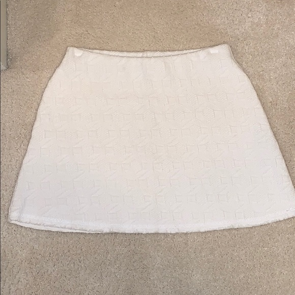 Zara Dresses & Skirts - Zara white patterned skirt size Medium!